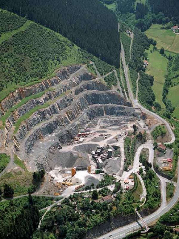 Presentan el proyecto de restauración de áreas degradadas por la minería en la Sierra de Baza (Granada)