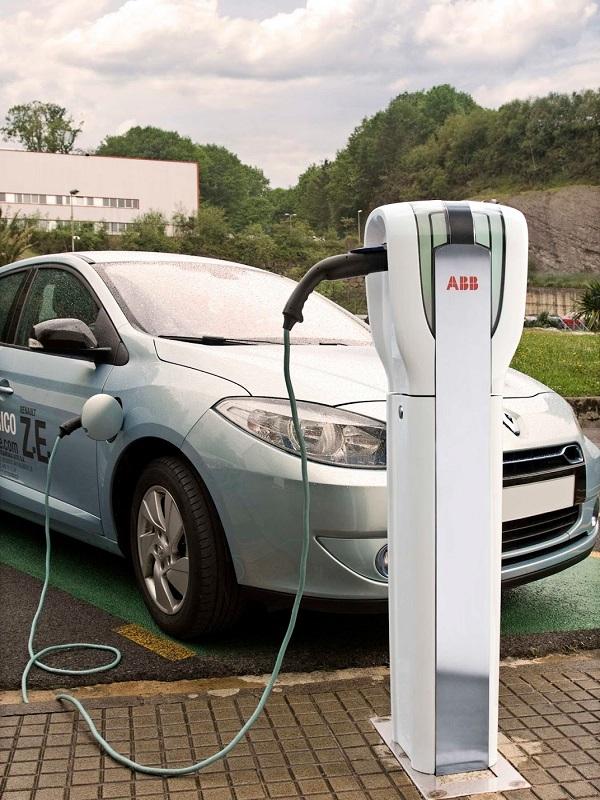 Cabe realizar más inversiones en puntos de recarga para coches eléctricos