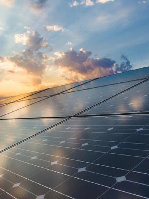 Baleares, placas fotovoltaicas para las piscinas de Son Hugo