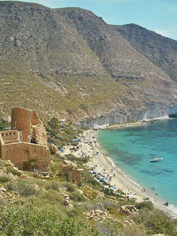 Alerta, proyectan un hotel en Cala San Pedro de Cabo de Gata