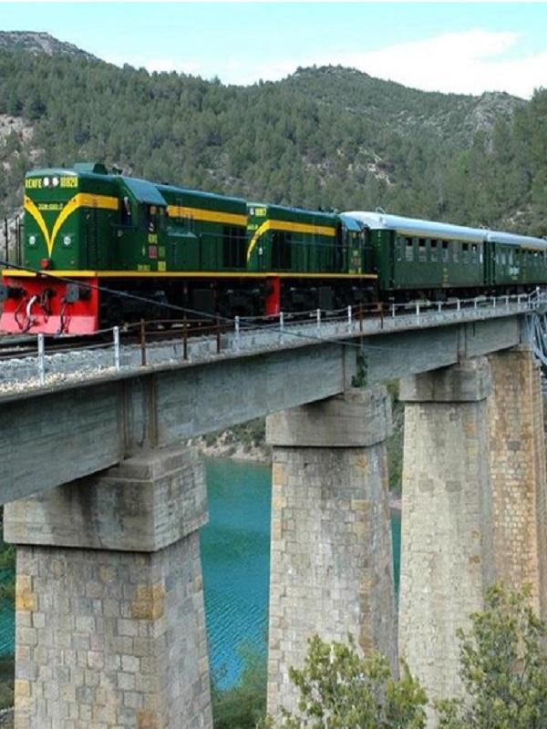 Catalunya. En marcha el Tren de los Lagos