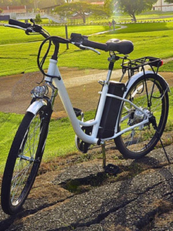 Endesa arranca en Sevilla su programa de bicicletas eléctricas