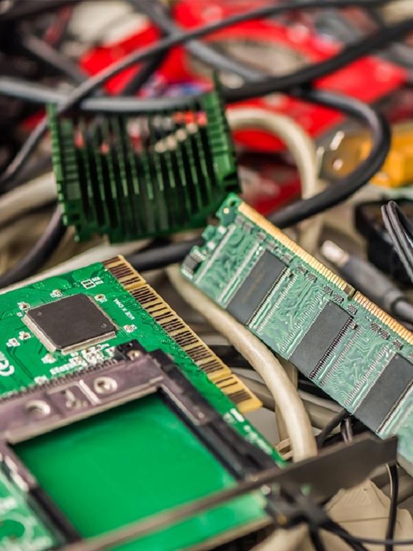 España genera basura electrónica para dar y vender
