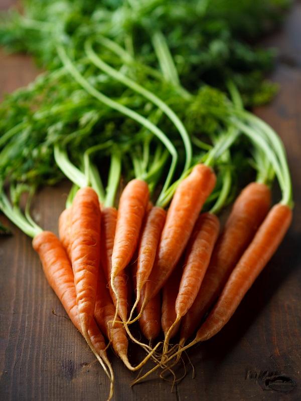 Todos los alimentos saludables que cuidarán de tus ojos