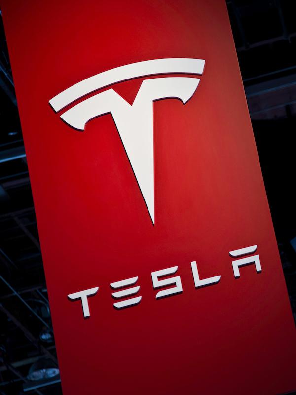 Tesla se dispara en Bolsa