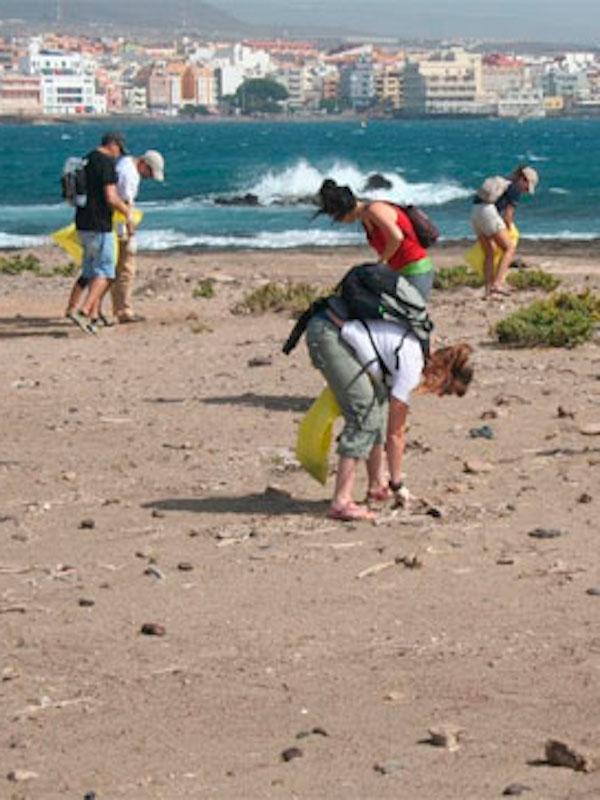 LIBERA lanza la segunda edición `1m2 por las playas y los mares´