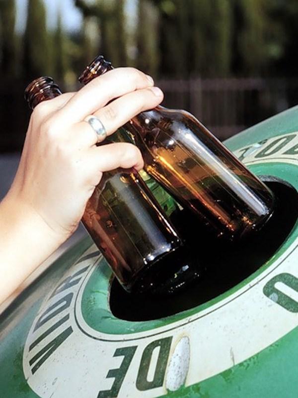 Ayuntamiento y Ecovidrio promueven un plan para reciclado de vidrio en el que participan más de 114 establecimientos