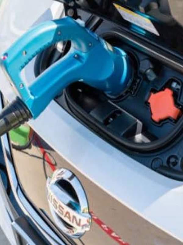 Nissan vende su negocio de baterías eléctricas a Envision