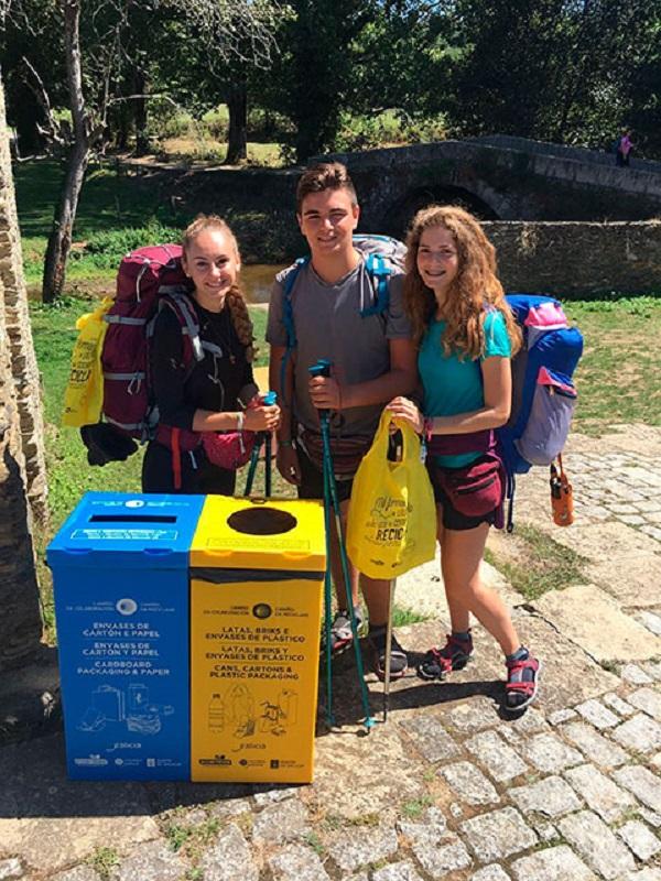 """15 toneladas de  envases recojidas durante la campaña """"Camino Reciclaje"""" en tramos riojanos de la Ruta Jacobea"""