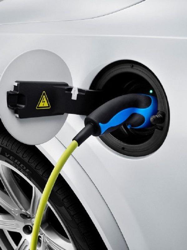 Volvo apuesta por una movilidad sostenible y limitar los coches de combustión