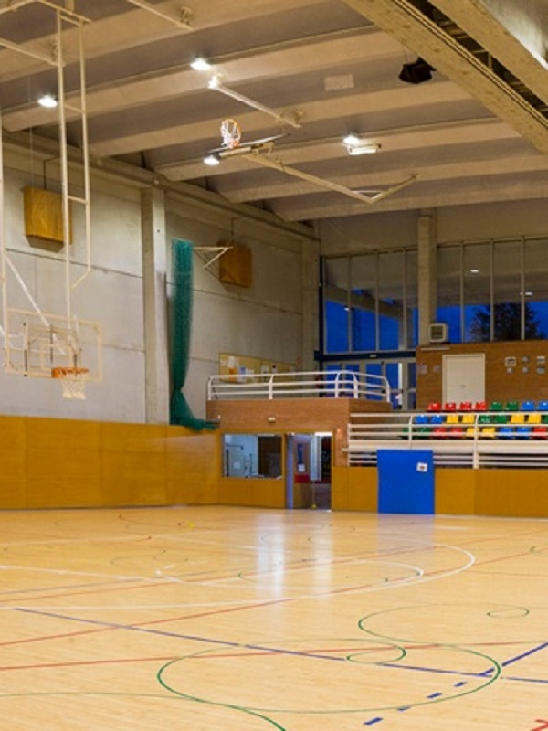 El Ayuntamiento de Estepona implantará un plan de eficiencia energética en las instalaciones deportivas