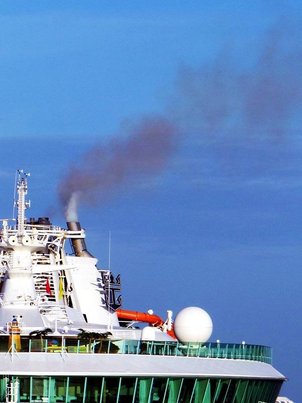 Por la creación de un área de control de emisiones en el mar Mediterráneo