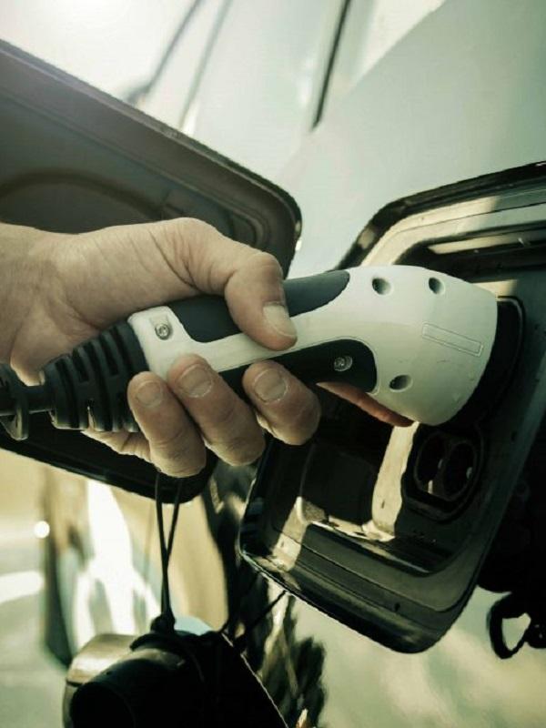 Nissan y Grupo IFA impulsarán la movilidad eléctrica con la instalación de puntos de recarga