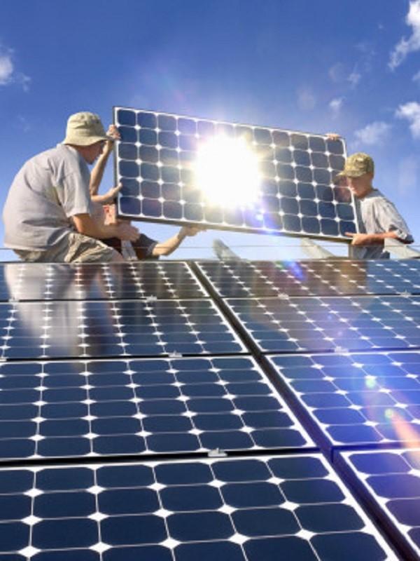 La Junta de Extremadura recibe 839 solicitudes de ayuda para instalaciones de energía renovable