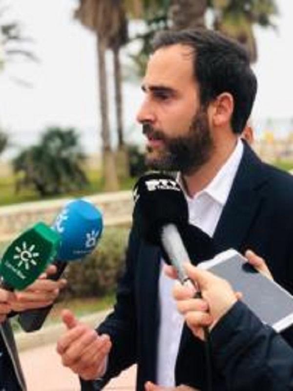 PSOE propone que Málaga favorezca autoconsumo eléctrico con rebajas fiscales y red eléctrica municipal 100% renovable