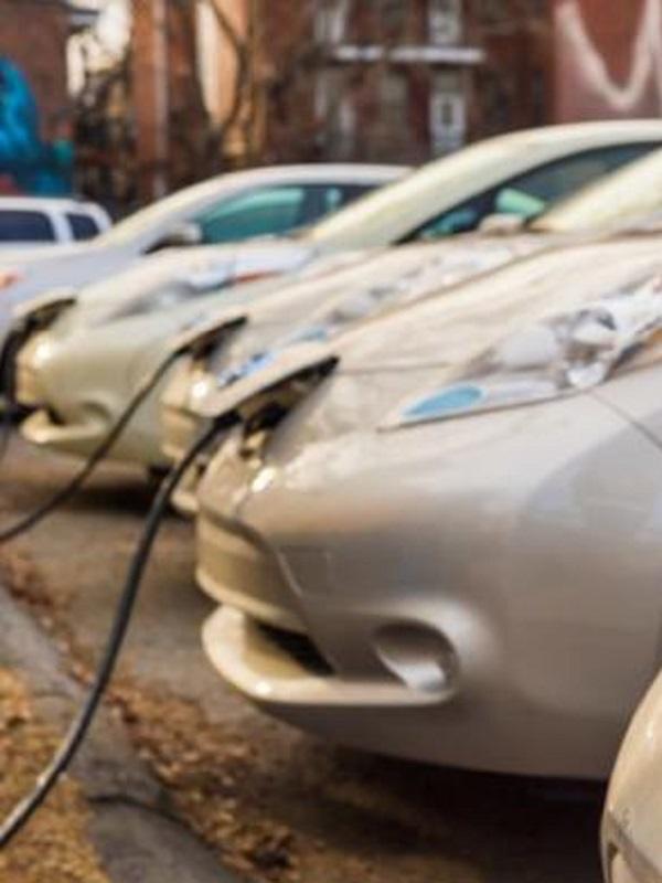 Una empresa de coches eléctricos llega a los municipios del noroeste para facilitar su acceso a Madrid Central