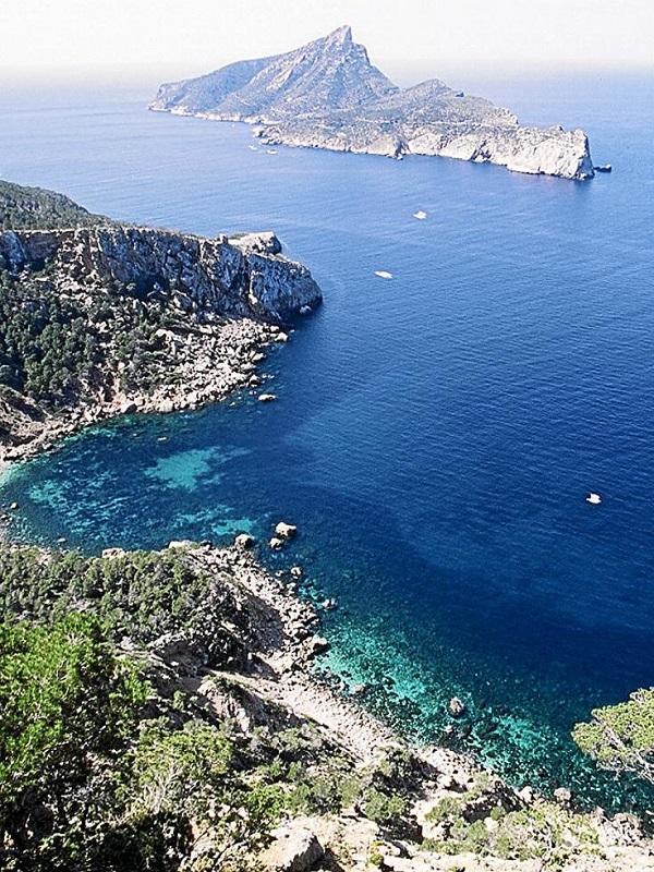 El Senado pide al Gobierno que establezca una reserva marina en la isla de Sa Dragonera (Islas Baleares)