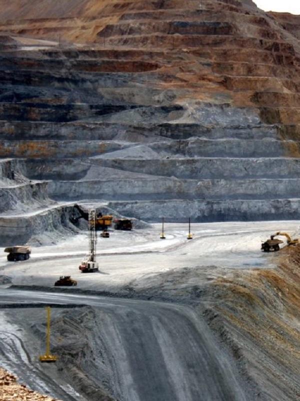 Un senador de México pide reabrir las investigaciones contra un gigante minero por el derrame de 2014