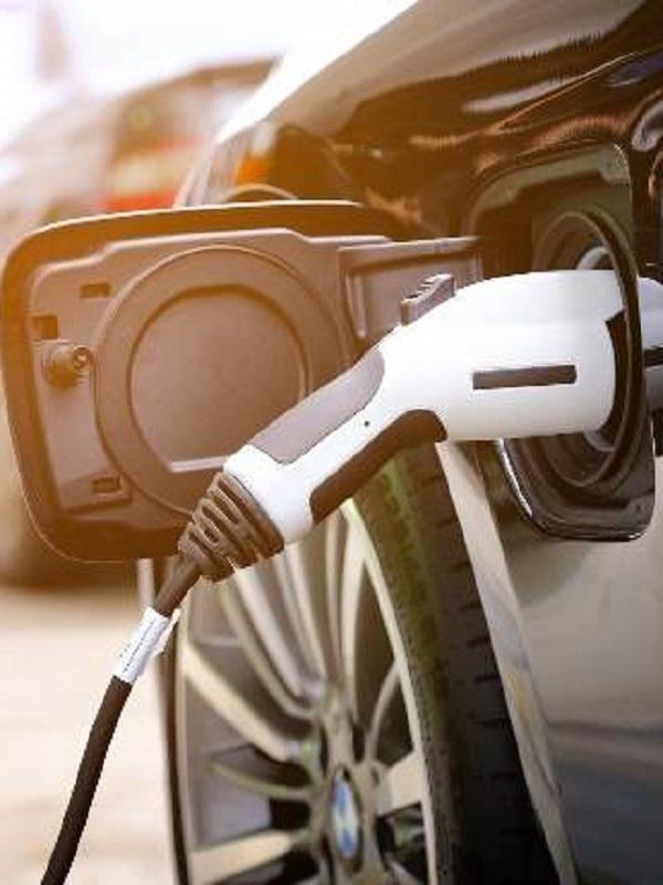 Ford Almussafes avisa de que la transición hacia vehículos eléctricos acarrea