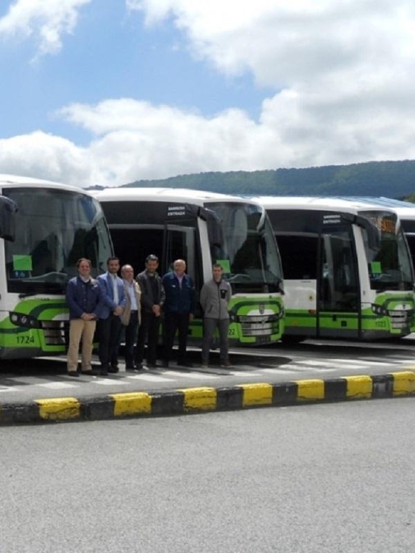 Bizkaibus incorpora dos rampas independientes en los autobuses híbridos para garantizar la accesibilidad