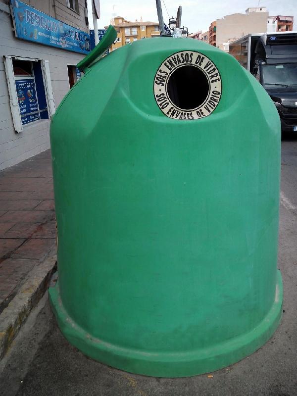 El reciclaje depositado en contenedores de vidrio en Málaga aumenta un 33% en el año 2017