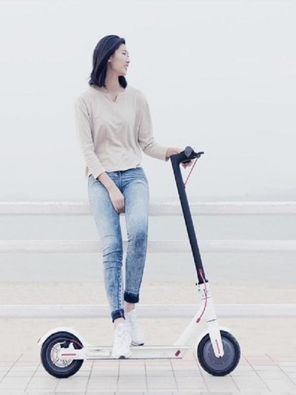 Monopatín eléctrico Mi Electric Scooter