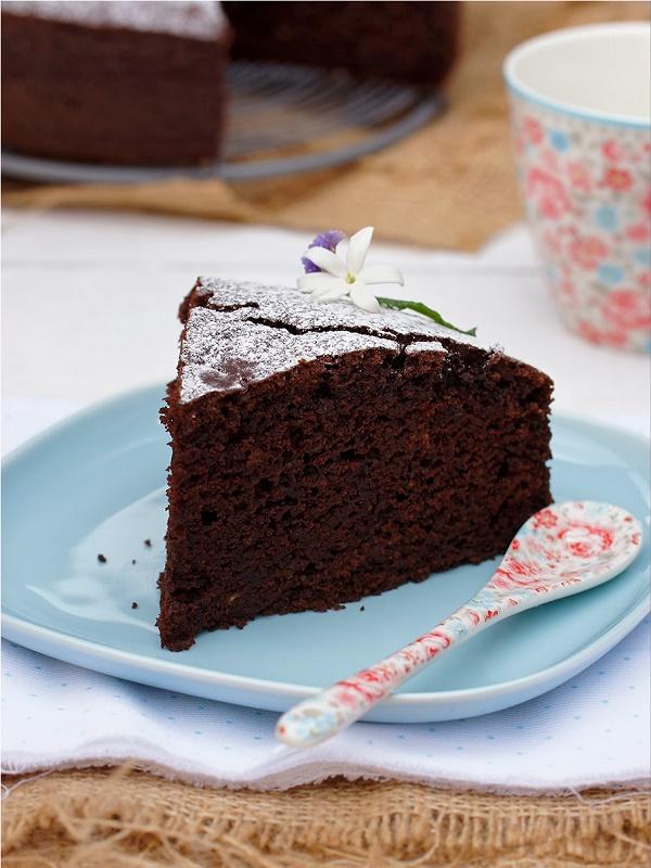 Receta Ecológica recomendada por ECOticias.com: Pastel de chocolate con frutos secos