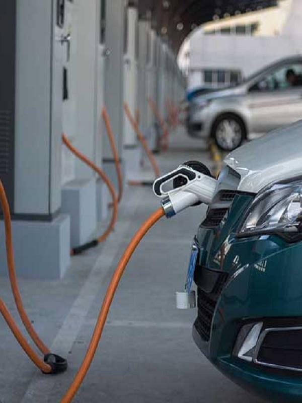 Los españoles aspiran a un coche eléctrico