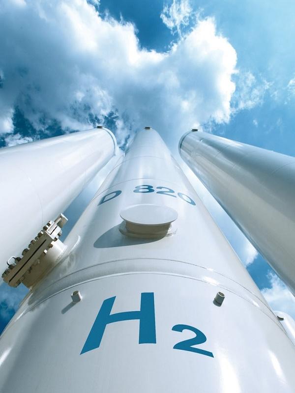 La UA lidera un proyecto para diseñar un dispositivo que cree hidrógeno con energía solar