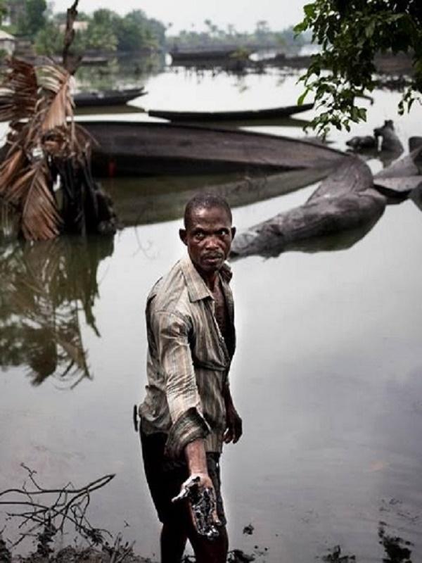 Shell no es una petrolera, es la peor cara de salvaje expolio de AFRICA