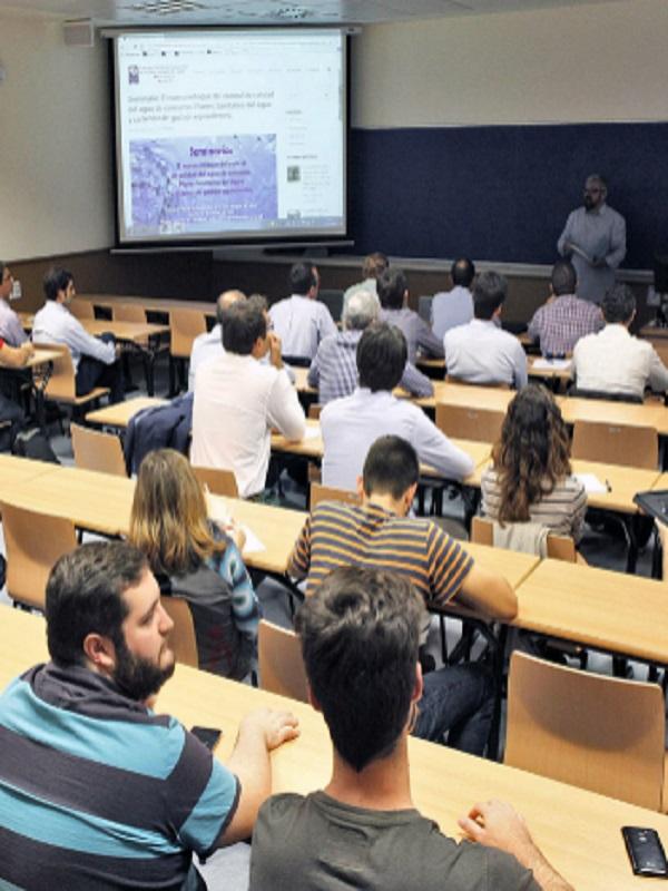 La Cátedra de Aguas de Valencia entrego las becas a los futuros ingenieros