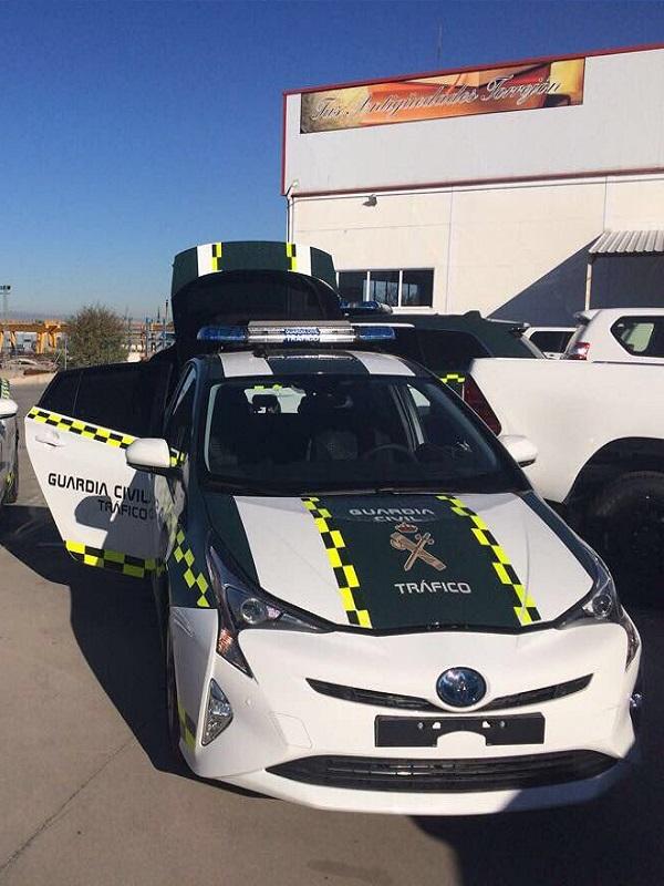 La Guardia Civil de Tráfico adquiere cuatro vehículos híbridos Toyota Prius