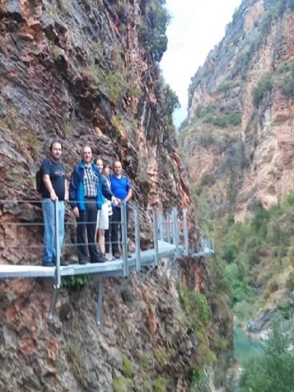 Las pasarelas de Alquézar (Huesca) se reconstruyen