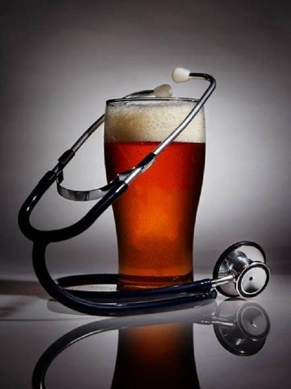 El alcohol te lleva directamente a la demencia precoz