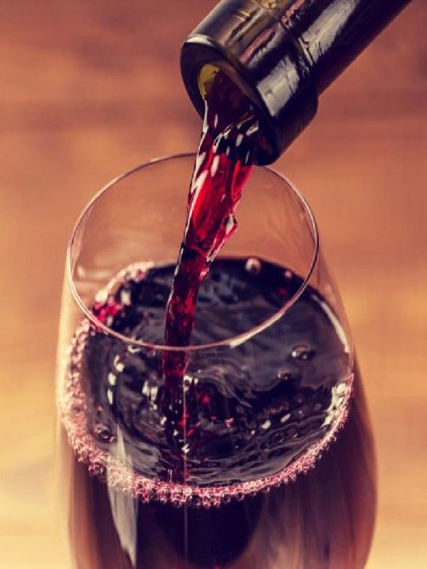 Los polifenoles del vino protegen tu salud bucodental