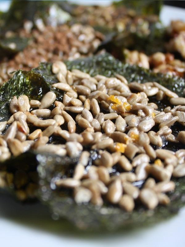 Receta Ecológica recomendada por ECOticias.com: Aperitivo de semillas con alga nori