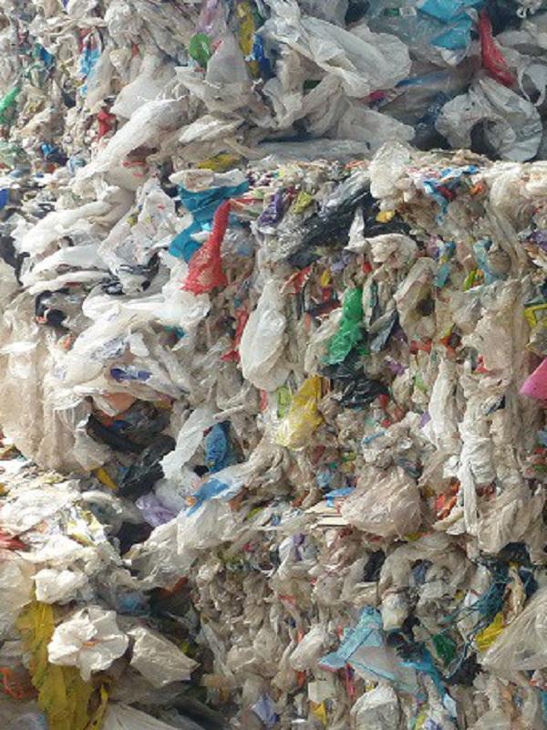 Los fabricantes de plásticos al borde de un ataque de nervios
