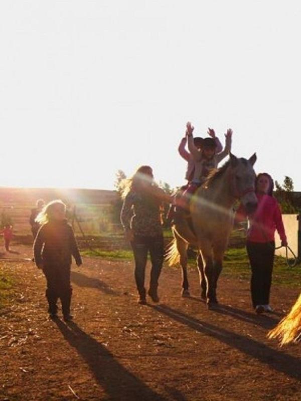 Los increíbles beneficios de montar a caballo para las personas con discapacidad