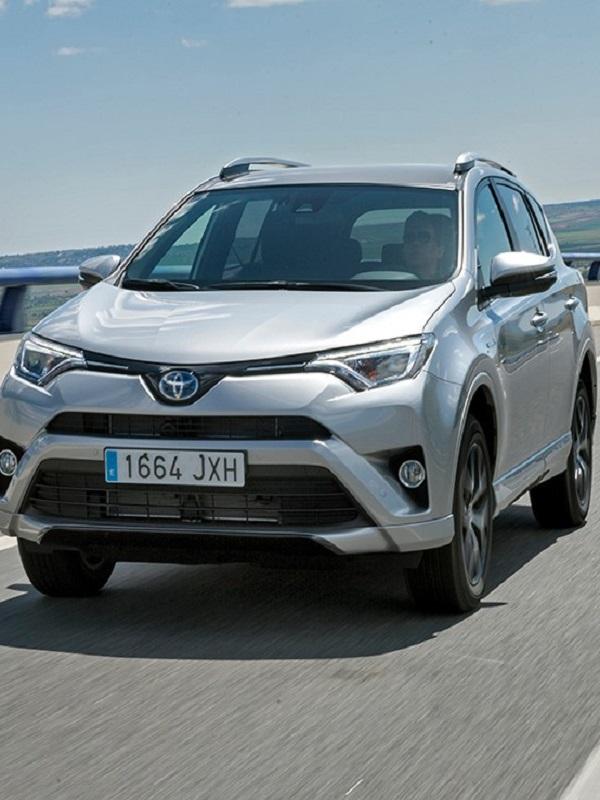 Toyota se sale con la venta de coches híbridos