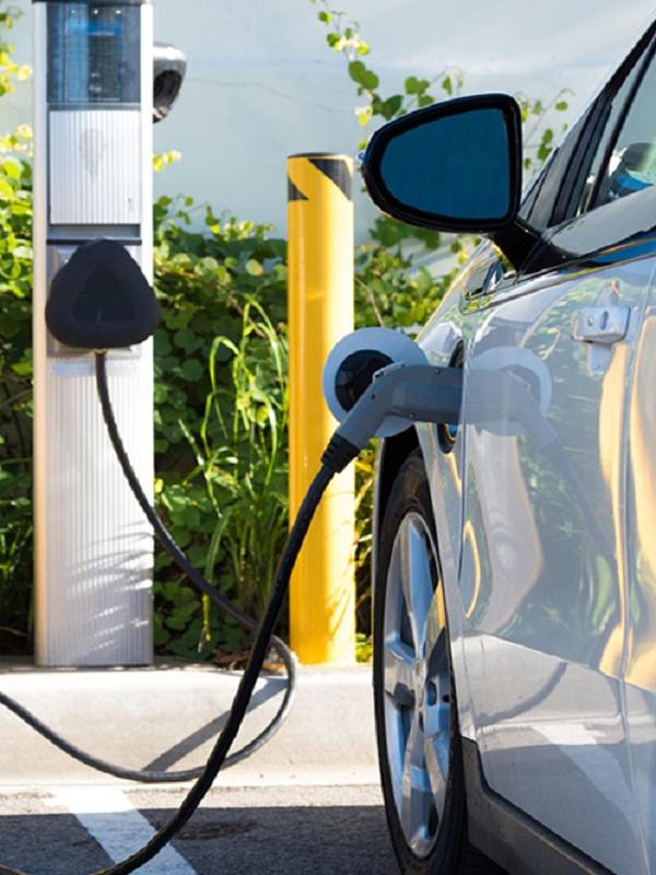 Objetivo: Multiplicar por 20 los puntos de carga para coches eléctricos