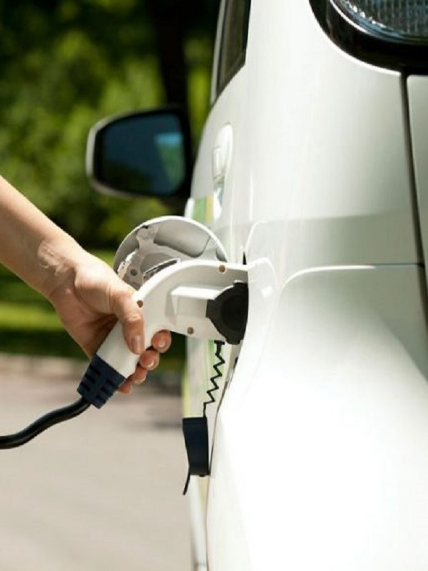 La Rioja abre una línea de ayudas para que ayuntamientos instalen puntos de recarga de coches eléctricos