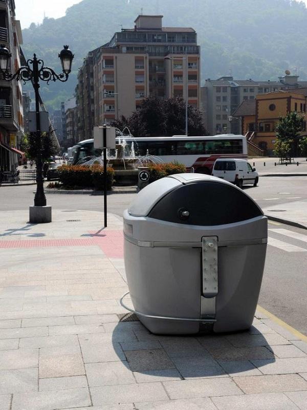 La Mancomunidad de La Vega fabrica contenedores de residuos para 18 municipios gracias al PFEA