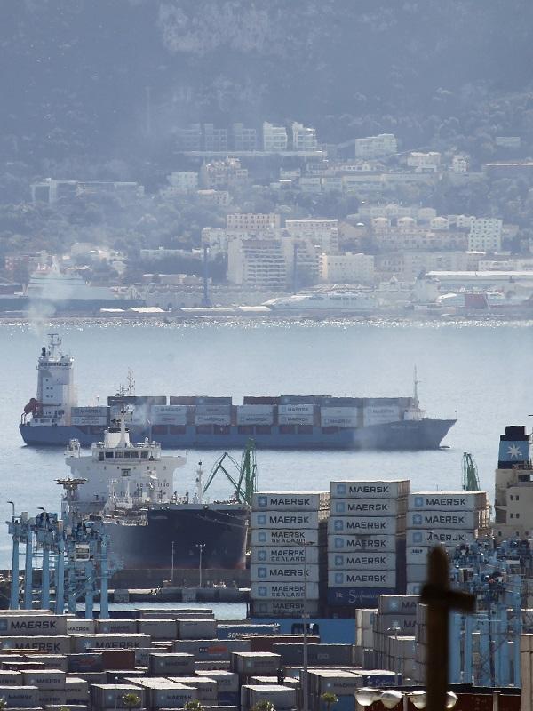 Ecologistas en Acción denuncian niveles de calidad del aire muy preocupantes en el Puerto de Santander
