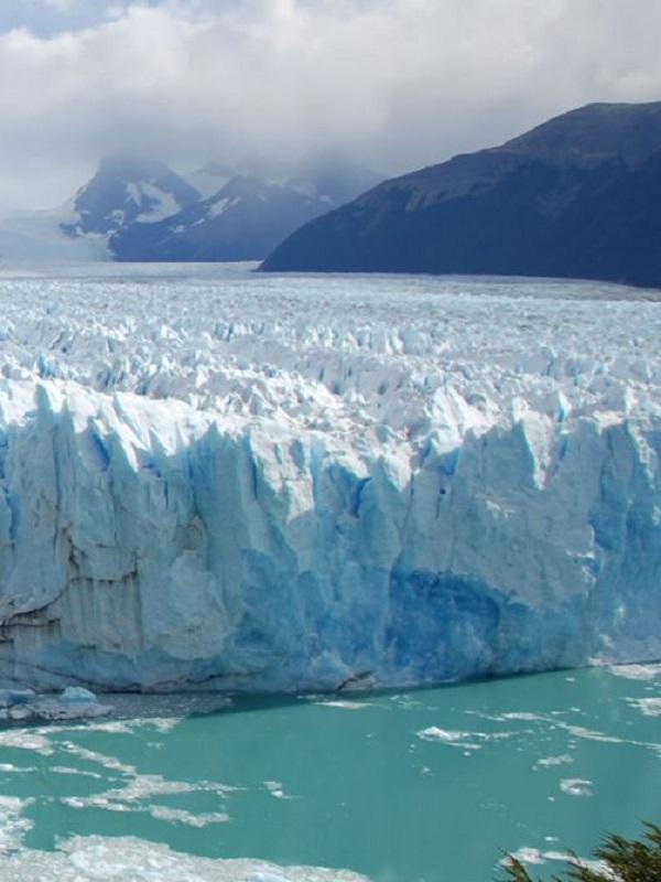 Un vídeo registra la rotura de un enorme glaciar en Groenlandia