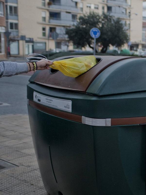 Uno de cada tres hogares del Actur dispone del 'kit' para la recogida selectiva de materia orgánica