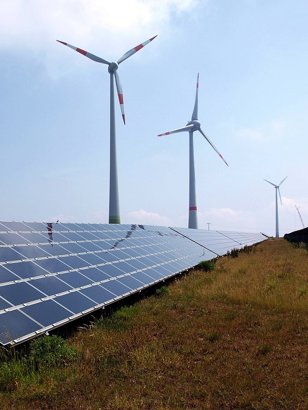 Proponen que el 50% recaudado en la subasta de emisiones vaya a las energías renovables