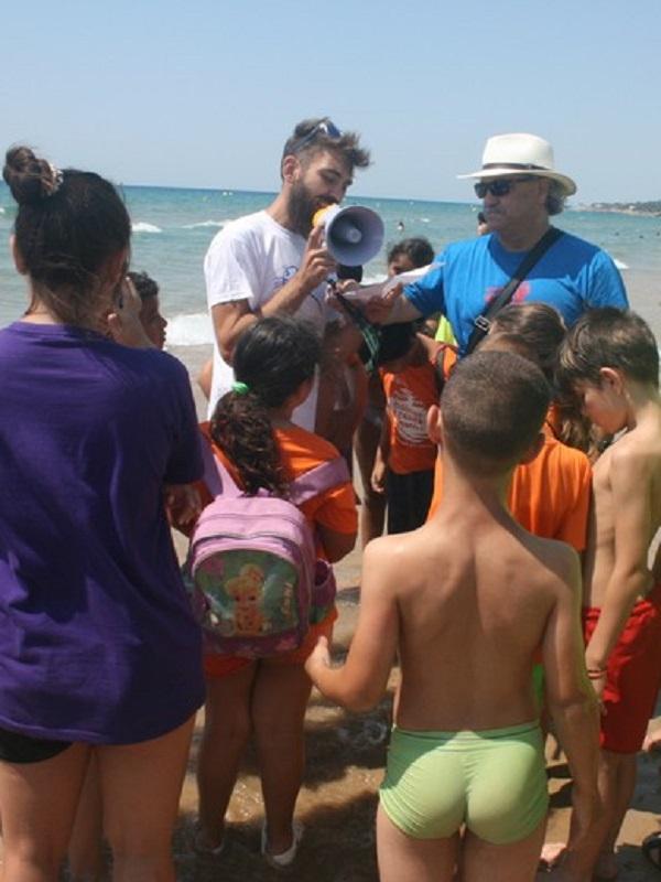 En Tarrragona más de 130 voluntarios ambientales participan en la 27ª edición del 'Día de sensibilización de la playa' de Mediterrània