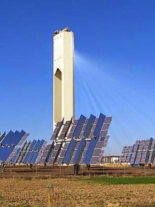 Acciona y Abengoa construirán la primera planta termosolar de Latinoamérica