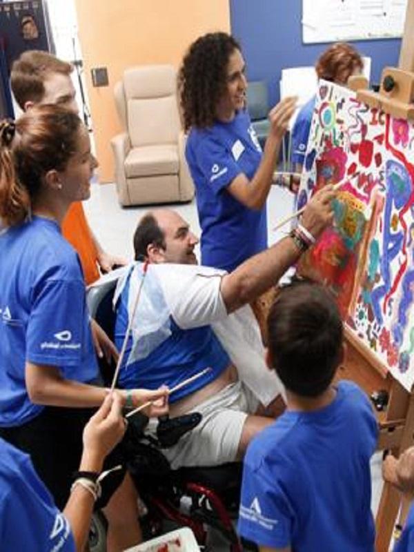 Global Omnium participa con sus voluntarios con la asociación Adecco y AVAPACE