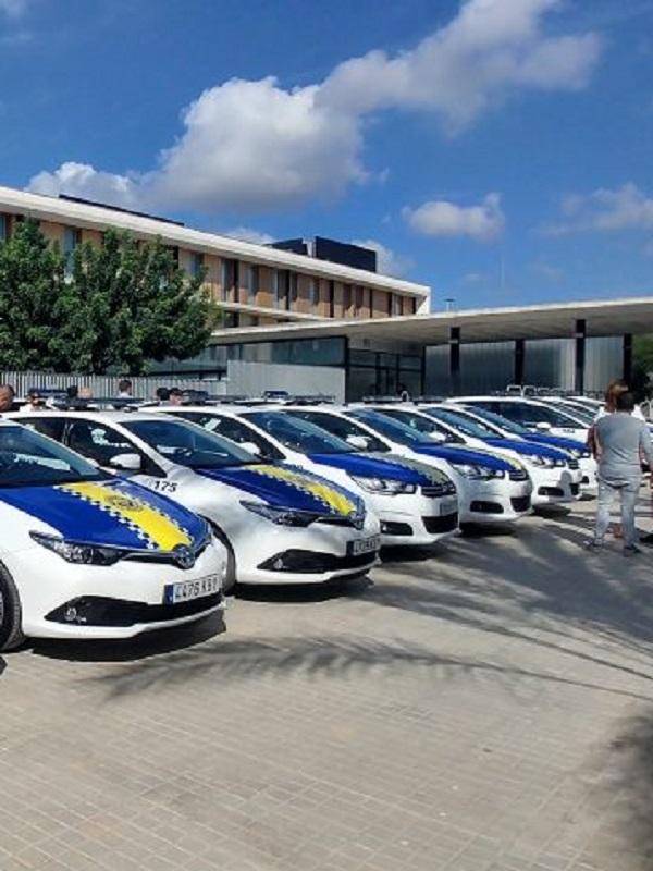Zaragoza comprará diez coches híbridos para la Policía